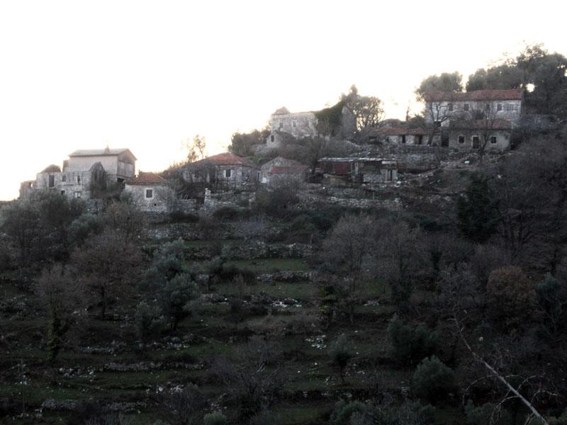 Брошенная-деревня-в-Черногории