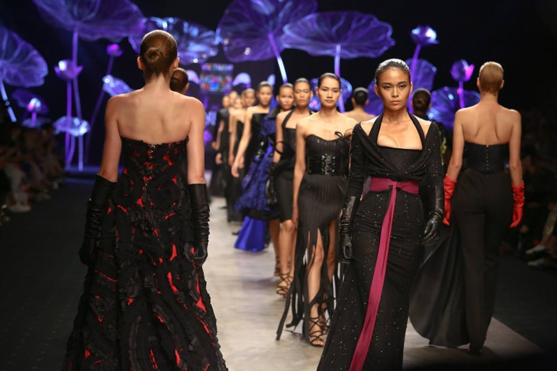 Vietnam International Fashion Week 2016- Day 3- Eymeric Francois