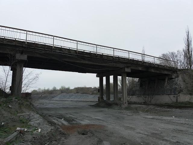 Автомобільний шляхопровід біля Малокохнівського кар'єру (Кременчук)