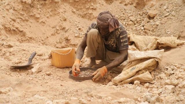 مخاطر وكواليس مثيرة من داخل مناطق التنقيب عن الذهب في موريتانيا