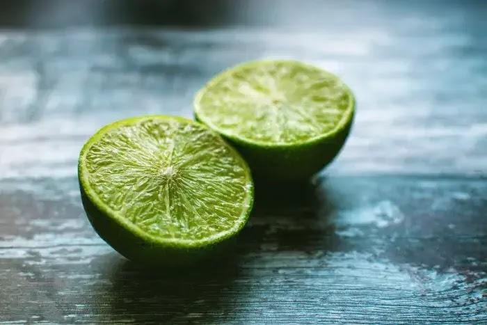 manfaat jeruk nipis untuk kecantikan kulit dan wajah