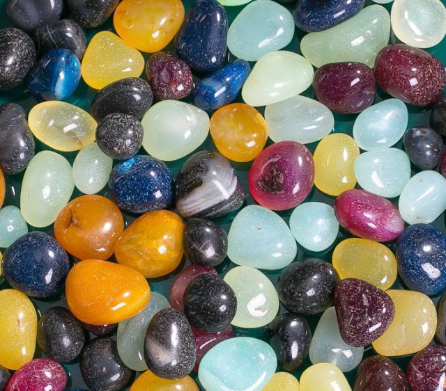 Order pebbles from Dynamic Design Interior