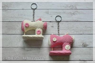 http://lalkacrochetka.blogspot.com/2017/02/sewing-machine-keyring-brelok-maszyna.html