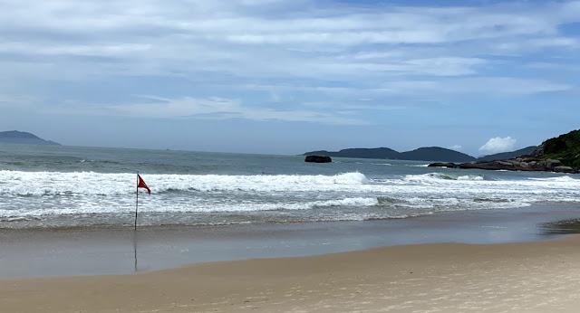 Bombinhas - Praia da Lagoinha, Quatro Ilhas e Praia da Sepultura