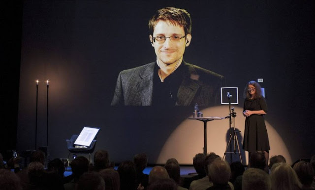 Edward Snowden critica censuras da Rússia