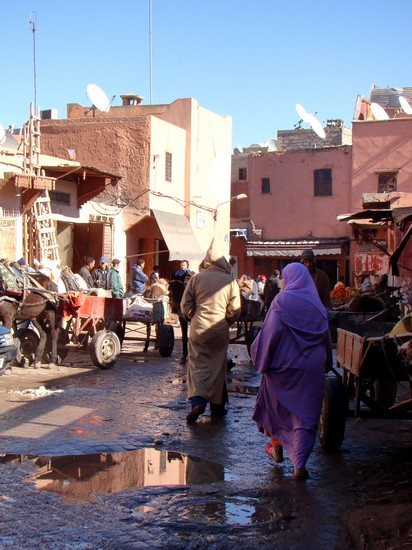vêtement traditionnel marocain, la djellaba est mixte
