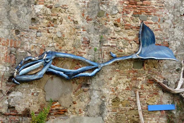 A whale of sorts, Giardino sensoriale (Sensory garden), Fortezza Nuova (New Fortress), Livorno