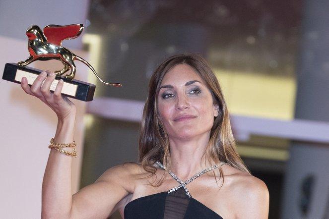 Illegális abortuszról szóló francia dráma nyerte a Velencei Filmfesztivál fődíját