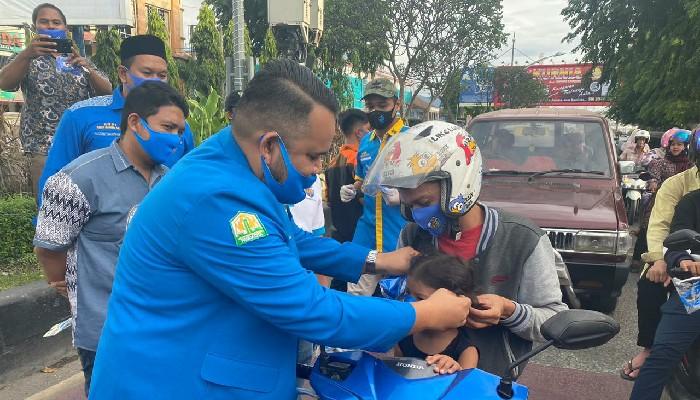 DPD KNPI Bagikan Masker Untuk Warga Kota Banda Aceh