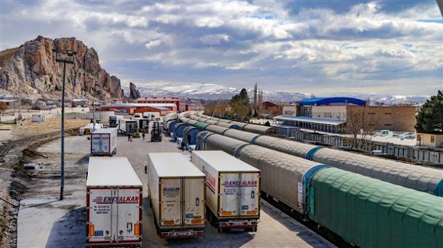 Business as usual as Iran reopens borders to international trade