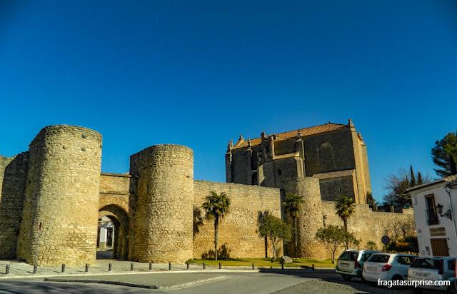 Porta de Almocábar, nas muralhas de Ronda, principal acesso à cidade durante o domínio mouro