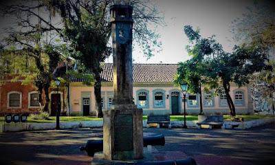 Obelisco e canhões