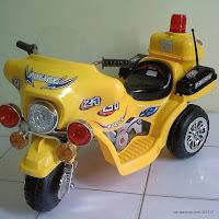 3 Motor Mainan Aki DoesToys DT9121 Police 21