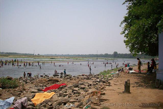Cauvery river near Kodumudi Magudeswarar and Veeranarayana Perumal temples.