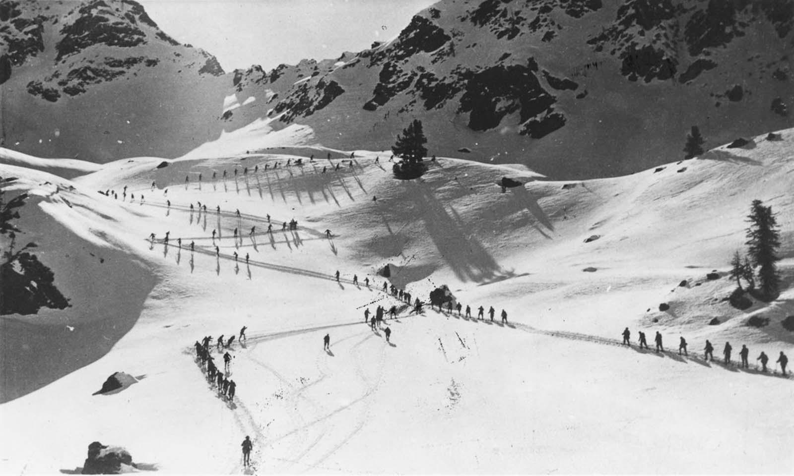 Italian Alpini Companies ski in the Carnic Alps. 1918.