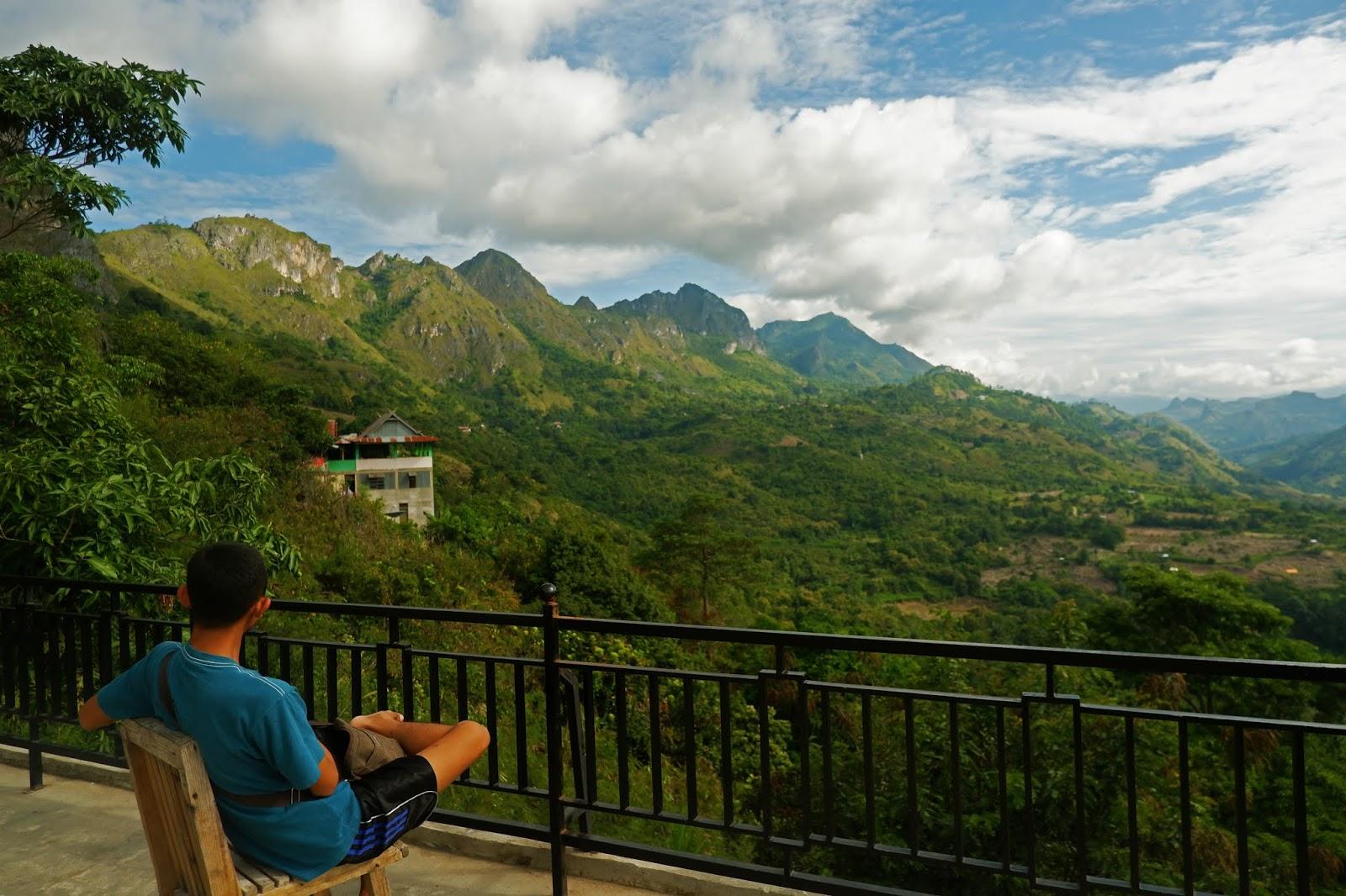 pemandangan bukit nona