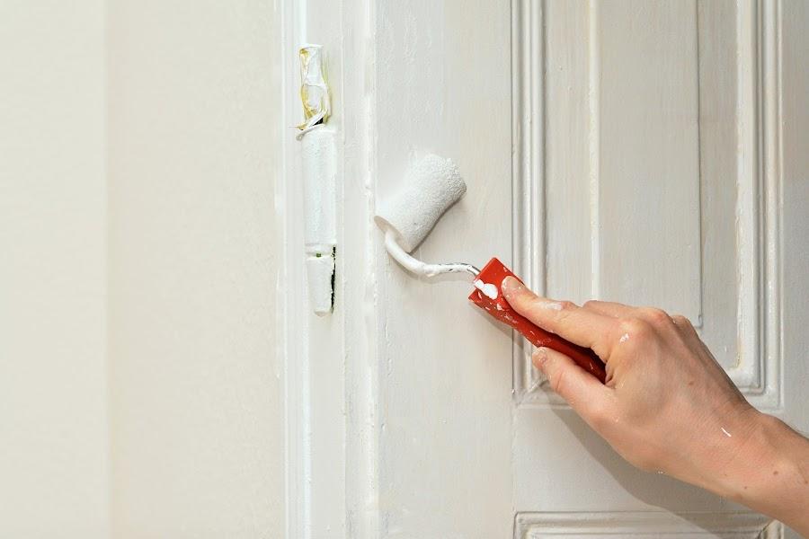 Pintar puertas de casa