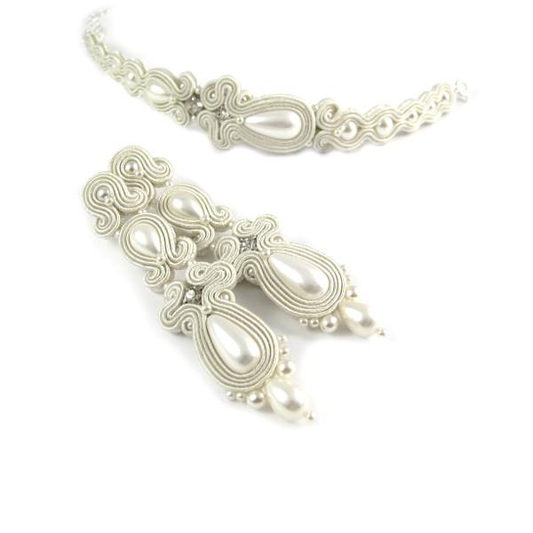 Perłowa biżuteria ślubna z sutaszu.