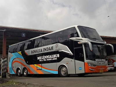 Foto Bus Rosalia Indah Double Decker