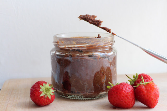 Vegan chocolate hazelnut spread recipe