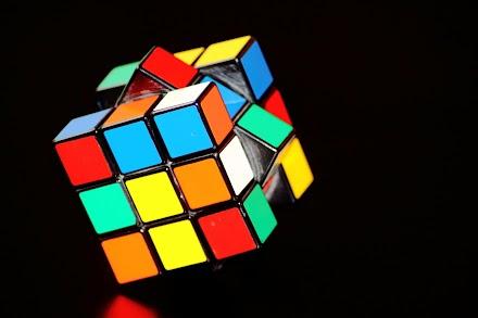 Rubic´s Cube Magic Underground Superhero | Der Zauberwürfel wird blind in Sekunden gelöst