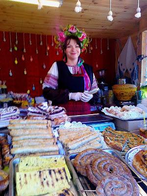 Продавец колбас