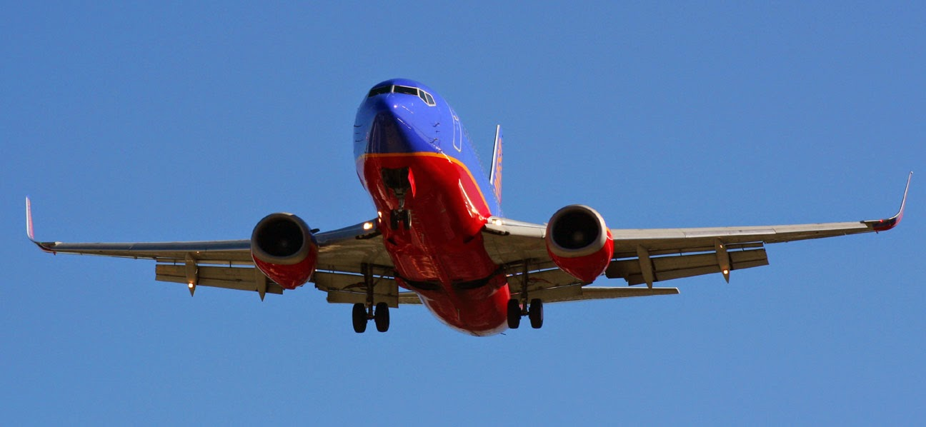 Southwest Airlines 737 landing at Seattle-Tacoma International Airport (SEA)