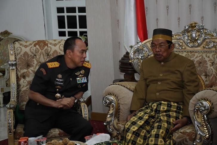 Pangdam Hasanuddin Hadiri Hari Jadi Ke-60 Kabupaten Barru