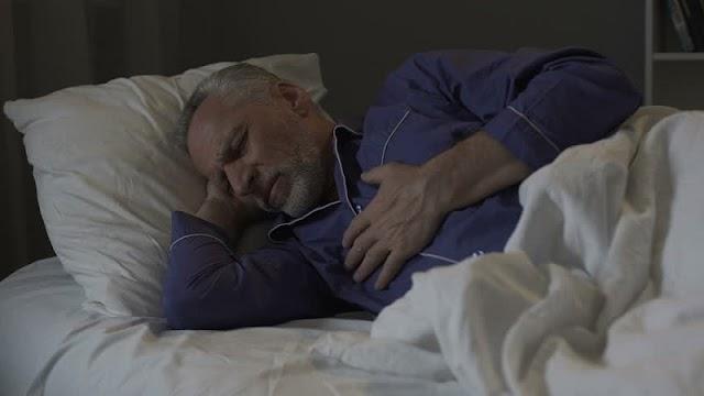 Lima Tips Mengatasi Sesak Napas Ketika Tidur