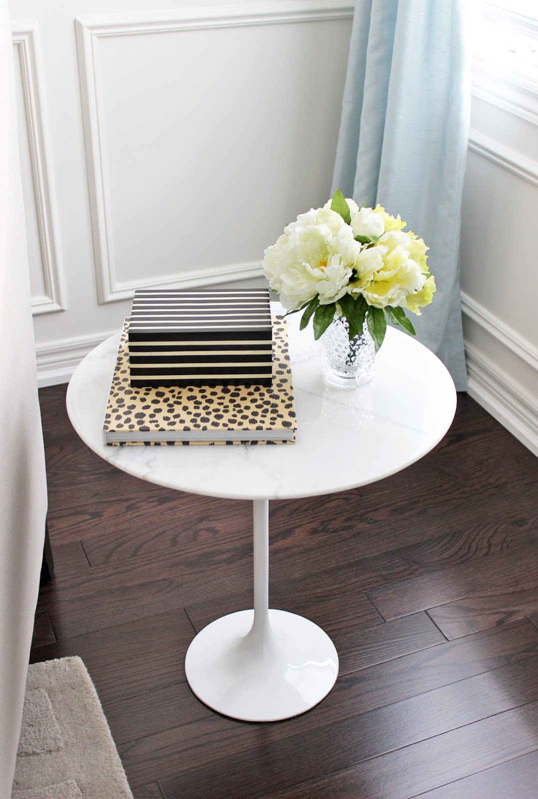Am Dolce Vita Style A Marble Tulip Side Table