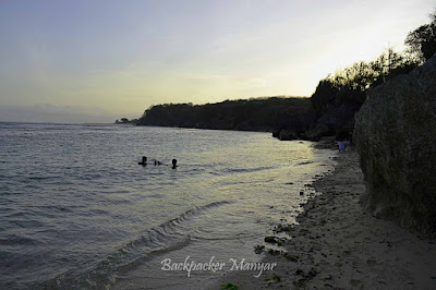 Pantai Geger yang indah di sore hari - Backpacker Manyar
