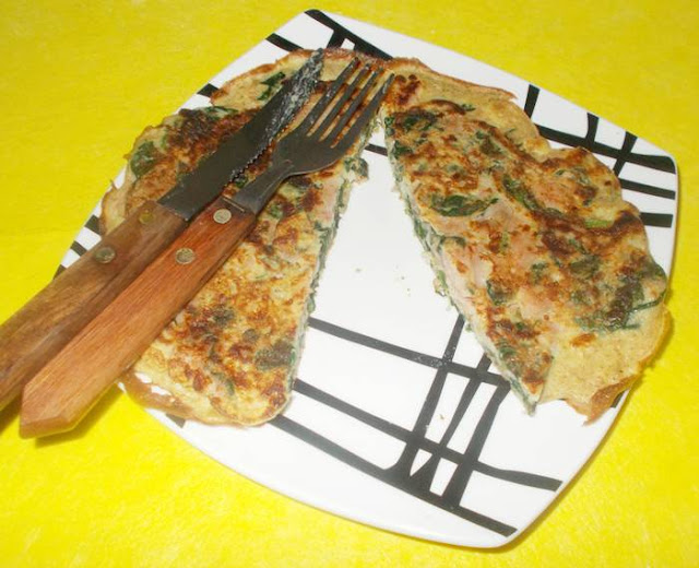 Panqueca integral de mussarela com presunto e espinafre