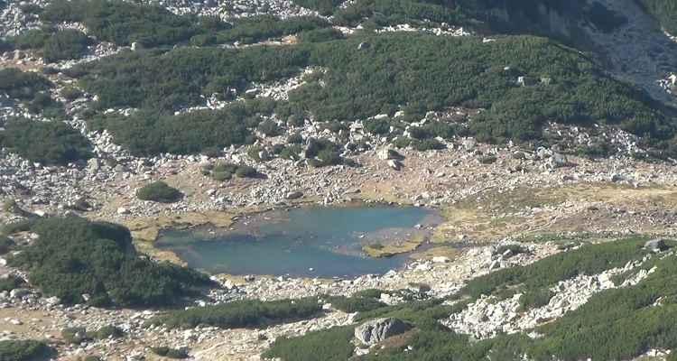 lac si cazare i muntii retezat