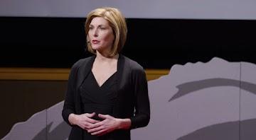 Ex-jornalista investigativa da CBS explica como a mídia manipulam as opiniões da sociedade