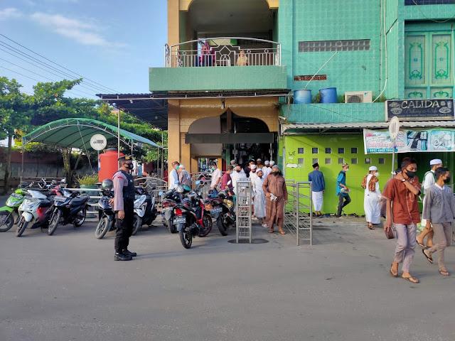 Polsek KP. Mentaya Amankan Sholat Idul Adha 1442 H Di Masjid Al Madinatul Mubarokah