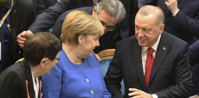 Απειλές Ερντογάν στη συνάντηση με Μέρκελ