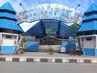 Taman Imbi tampak dari gerbang depan