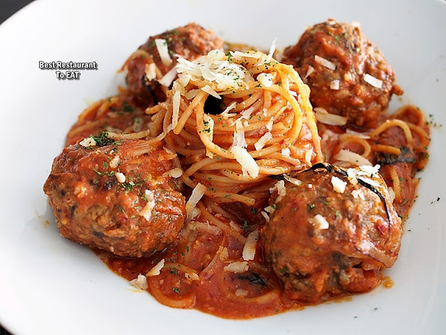Jigger & Shaker Seremban New Year Eve Dinner Menu - Meat Platter - Linguine With Beef Meatballs Pomodoro