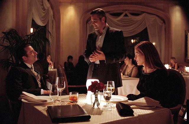 Andy Garcia, George Clooney, Julia Roberts - Ocean's Eleven (2001)