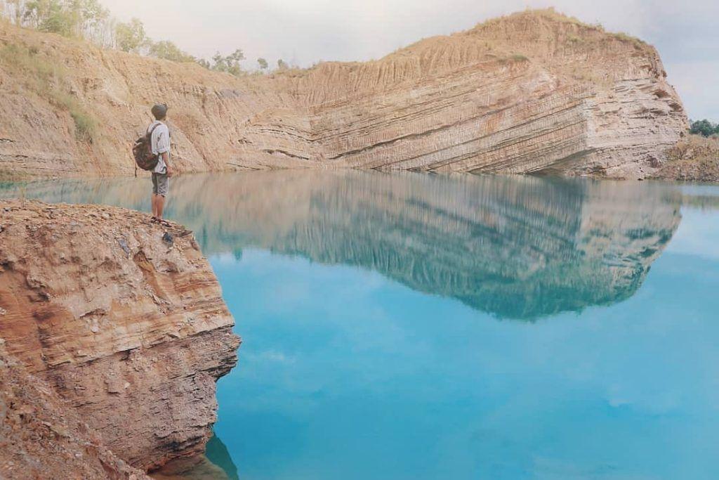 danau biru perangon