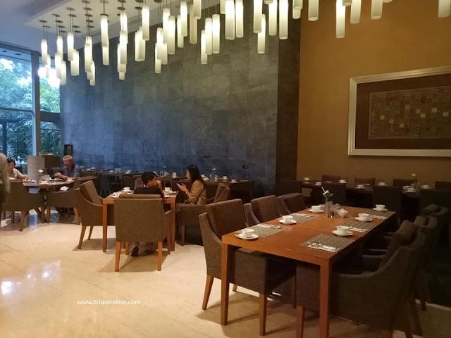 makan di hotel bintang 5