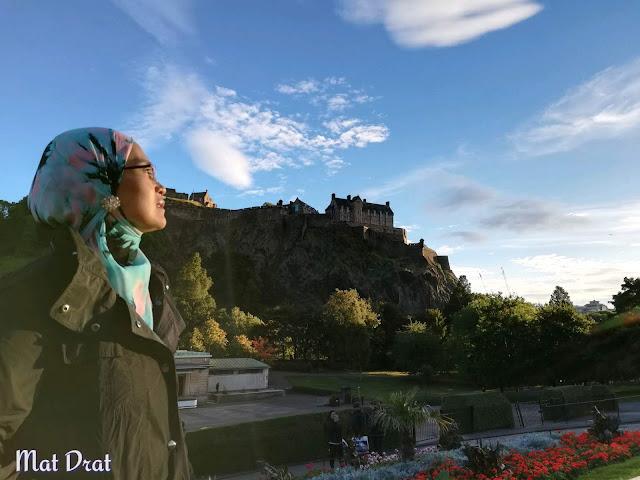 Princes Street Garden Place To Visit Edinburgh Castle