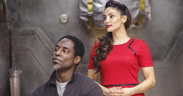 ALIE y Jaha en la tercera temporada de 'The 100'