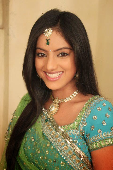 Deepika singh biography wiki,date of birth,age,height,family, tv actress Deepika singh boyfriend,marriage,affair,education, deepika singh tv show/Serial diya aur baati hum