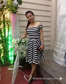 Máy bay bà già 35 tuổi tên Hương xinh xắn vui vẻ tìm phi công trẻ