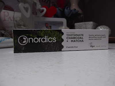 Zubná pasta NORDICS aktívne uhlie + matcha