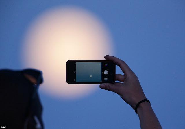 Cara Menghasilkan Potret Terbaik Saat Gerhana Bulan Dengan Menggunakan Smartphone