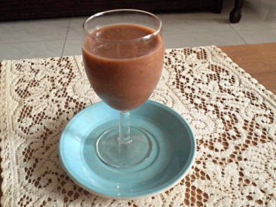 Banana Oat Chocolate Smoothie Recipe @ treatntrick.blogspot.com