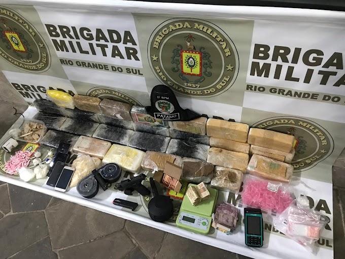 GRAVATAÍ | Brigada Militar apreende 26 kg de drogas e 1 pistola