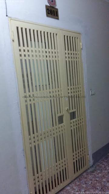 Cửa sắt chung cư 2 cánh tại chung cư N03-T5 Ngoại Giao Đoàn
